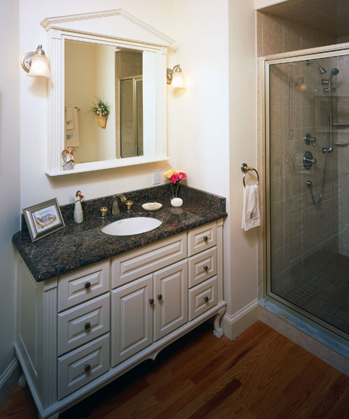 Kitchen And Bath Ideas: William Morris Wallpaper